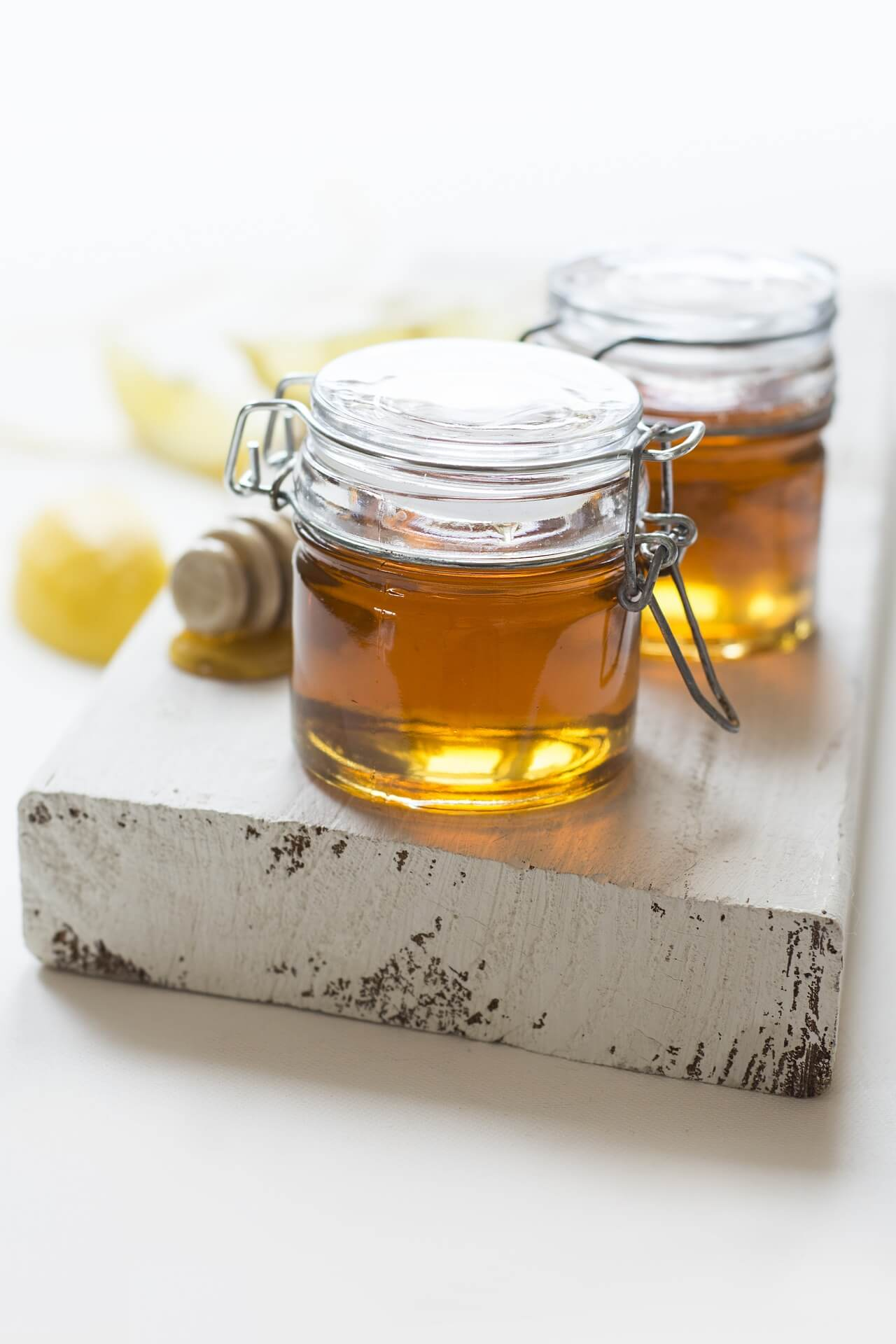 Med včelí domácí